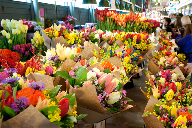 Pike-Place-Flowers-2